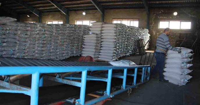 تامین و توزیع 40000 کیلوگرم بذر اصلاح و گواهی شده برنج در شهرستان لاهیجان استان گیلان