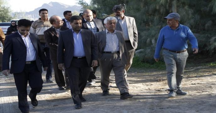 بازديد جناب آقای مهندس كشاورز و هيأت همراه از مزارع استان هرمزگان