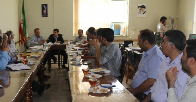 جلسه کارگزاری های توزیع نهاده های کشاورزی شهرستان شهرکرد