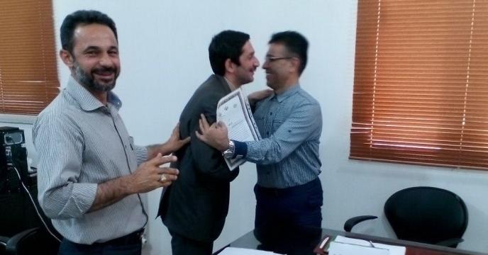 برگزاری مراسم گرامیداشت هفته دولت و تجلیل از کارمند نمونه در گلستان
