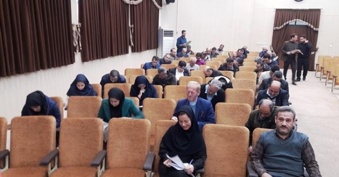 """برگزاری آزمون  """" روش های فرهنگ سازی نماز در محیط کار""""در سالن ابن سینای مرکز تحقیقات کاربردی نهاده های کشاورزی"""