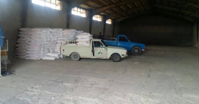 توزیع کود اوره  شیمیایی درشهرستان  ایلام