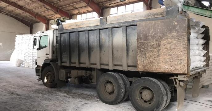 تامبن و ارسال مقدار 25 تن کود اوره  به شهرستان چالدران