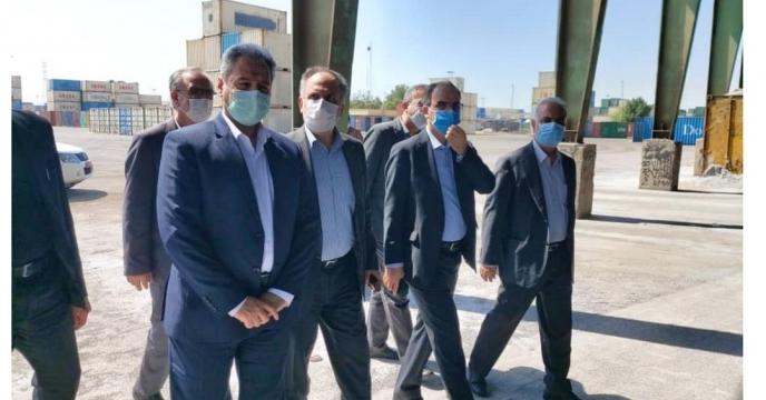 بازدید وزیر جهاد کشاورزی از عملیات کیسه گیری و بارگیری کود سوپرفسفات تریپل