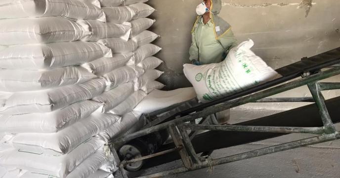 تامبن و ارسال مقدار 15 تن کود اوره  به شهرستان چایپاره