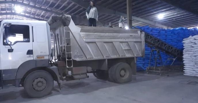 تامبن و ارسال مقدار 15 تن کود اوره  به شهرستان بوکان