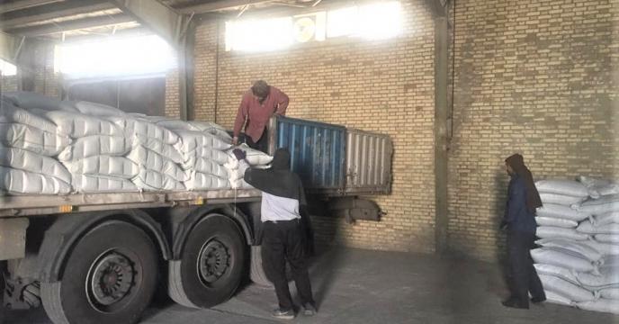 تخلیه مقدار 23 تن  کود اوره  ارسالی از بندر عباس  در انبارسازمانی آذربایجان غربی