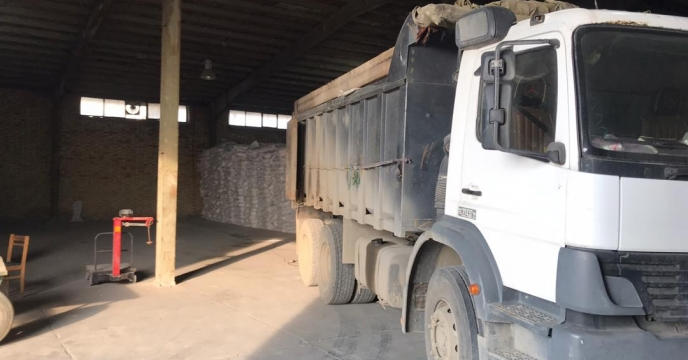 کیسه گیری مقدار 30 تن کود سولفات پتاسیم گرانوله فله در انبارکود استان آذربایجان غربی