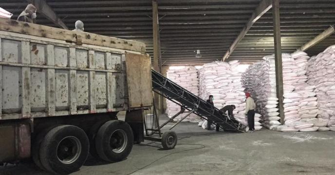 تامبن و ارسال مقدار 25 تن کود اوره  به شهرستان سردشت