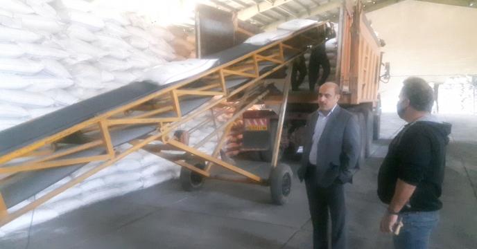 بازدید مدیر استان از روند بارگیری و ارسال کود از انبارهای سازمانی