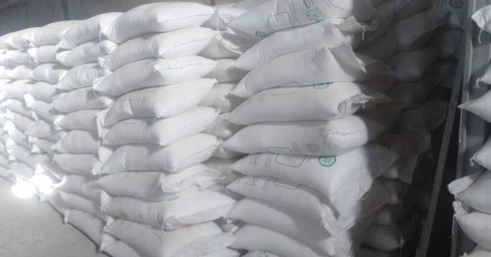 تأمین و حمل ۲۳ تن کود شیمیایی اوره از مبدا عسلویه به استان ایلام