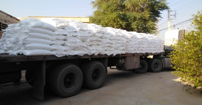 تأمین ۶۹ تن کود شیمیایی اوره در شهر آبدان شهرستان دیر