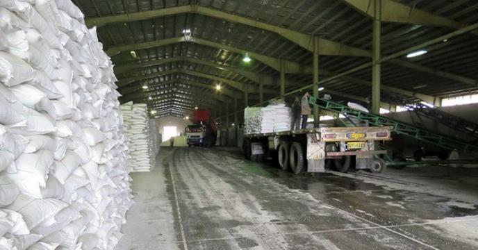 توزیع کود شیمیائی در شرکت خدمات حمایتی کشاورزی استان همدان بصورت تمام وقت در حال انجام است.