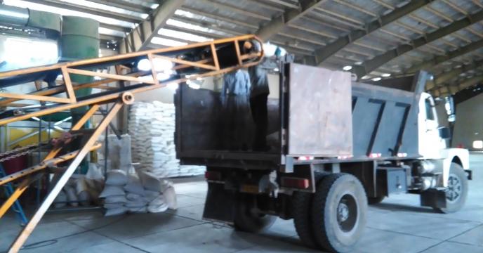 توزیع مستقیم به کشاورز 10 تن کود نیترات آمونیوم سولفات