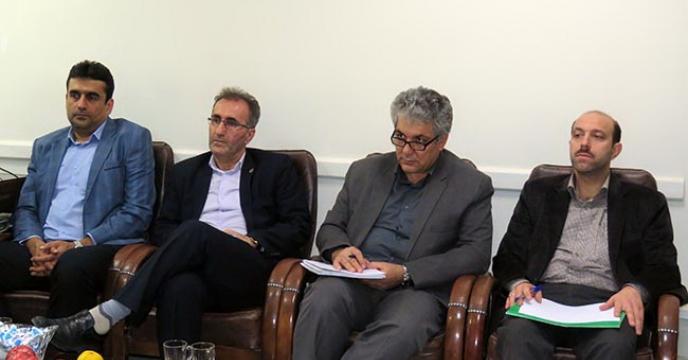 برگزار جلسات بررسی چگونگی توزیع و فروش بذور در همدان