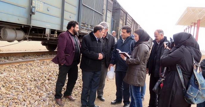 حمل کود شیمیائی توسط حمل و نقل ریلی برای اولین بار در استان همدان توسط شرکت خدمات حمایتی کشاورزی به انجام رسید .