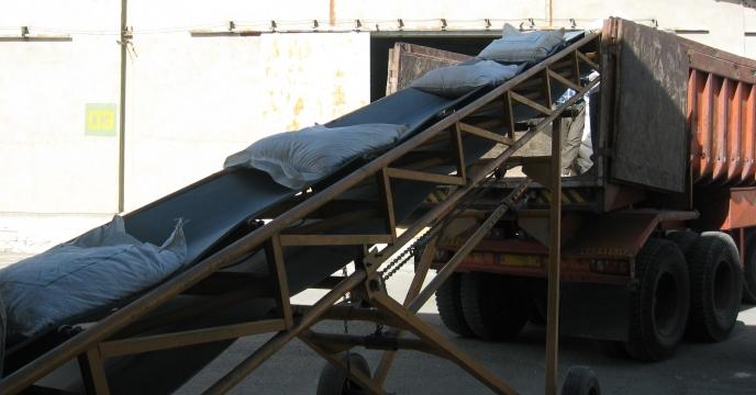 توزیع کود نیترات آمونیوم سولفات در شهرستان اشتهارد