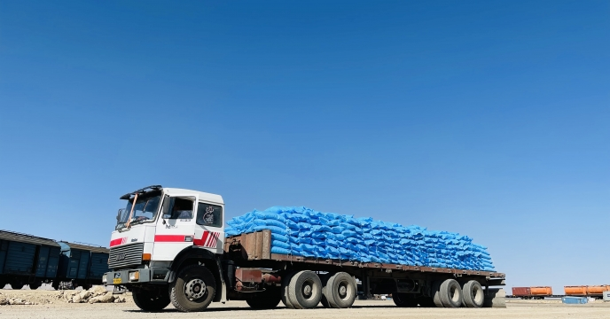 ارسال کود اوره به مقصد کارگزاران شهرستان زرقان استان فارس