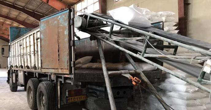 تامبن و ارسال مقدار 74 تن کود اوره  به شهرستان تکاب