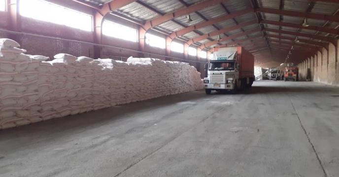 توزیع 310 تن کود شیمیایی اوره در شهرستان ورزقان