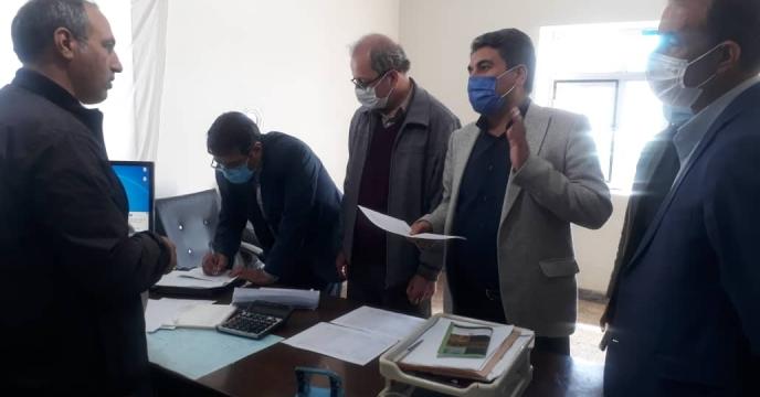 بازدید اکیپ نظارتی کمیته توزیع کود استان از کارگزاران شهرستان خداافرین