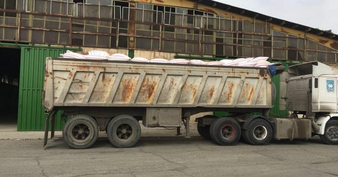 توزیع کود پایه مورد نیاز مزارع کلزا در شهرستان کرج