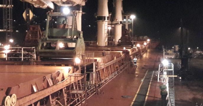 اتمام تخلیه کشتی بهدخت از اسکله شهید رجایی-بندرعباس