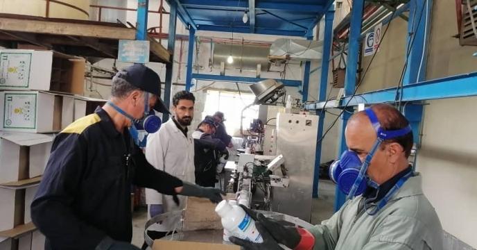 بسته بندی سم تبوکونازول توسط واحد تولید مجتمع شیمیائی آبیک