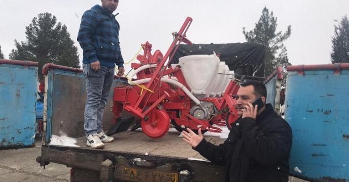 فروش وکالتی یک دستگاه ردیف کار پنوماتیک ذرت در استان آذربایجان غربی