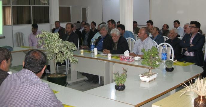برگزاری دوره آموزشی توجیهی پیمانکاران تولید بذر طرف قرارداد استان مرکزی - اردیبهشت 1397