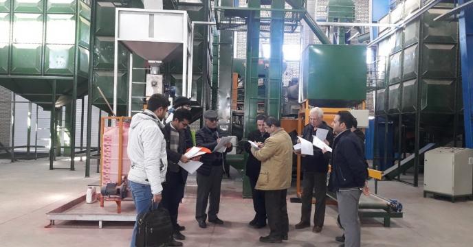 بازدید گروه ارزیابی از شرکت های تولید بذر استان مرکزی