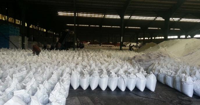 کیسه گیری 2500 تن کود فله در اردیبهشت ماه