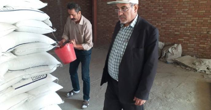 نمونه برداری از کودهای وارده از مبادی  به انبار سازمانی شرکت خدمات حمایتی کشاورزی استان آذربایجان شرقی