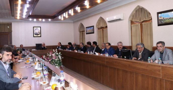 نشست مشترک مسئولان ارشد بخش کشاورزی استان اصفهان با استاندار