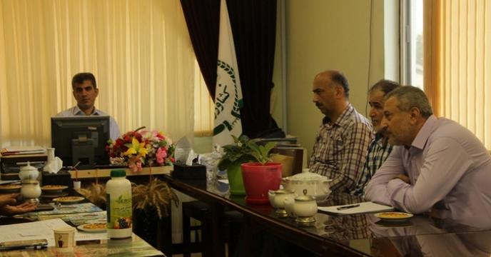 جلسه یی با حضور معاون فنی و تولیدی، در شرکت خدمات حمایتی کشاورزی برگزار گردید.
