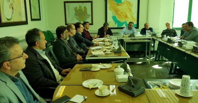 جلسه بررسی نحوه انتقال بارهای ریل پسند در شبکه ریلی استان در محل استانداری استان همدان برگزار گردید
