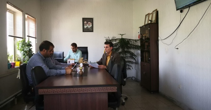 جلسه بازگشایی پاکات عملیات کیسه گیری ، در شرکت خدمات حمایتی کشاورزی استان مرکزی