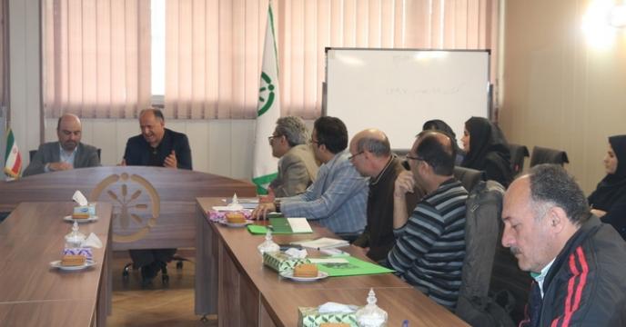 جلسه هم اندیشی با تولیدکنندگان در شعبه استان تهران