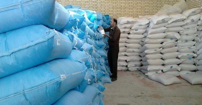 نمونه برداری از کود های ارسالی به کارگزاران استان فارس