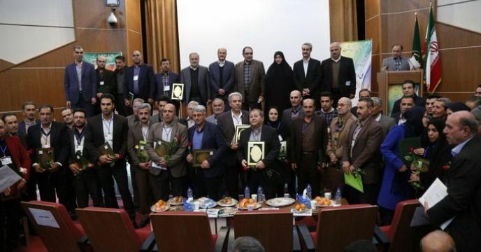 انتخاب نمونه برتر ملی تولید بذر جو از استان قزوین