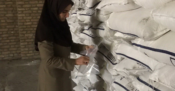 نمونه برداری از 2000 تن کود شیمیایی در استان قزوین