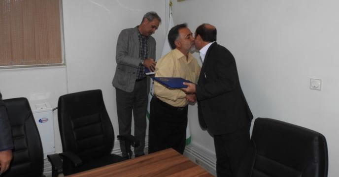 مراسم تجلیل از خدمات و زحمات ارزشمند 4 تن از همکاران استان البرز