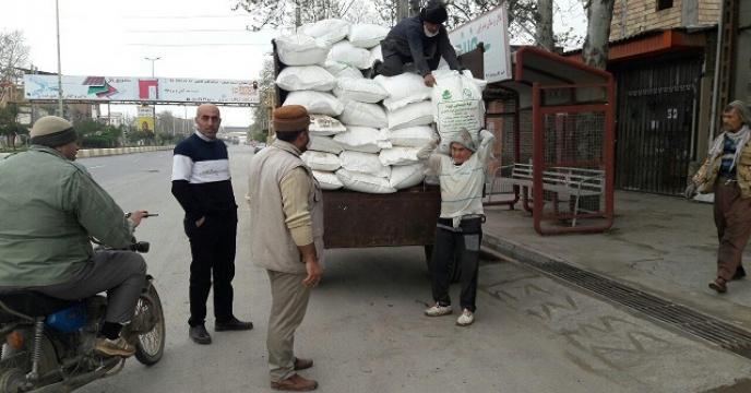 توزیع کود شیمیایی در شهر جلین گرگان در درب منزل  کشاورزان