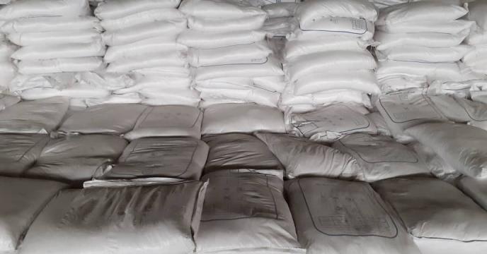 توزیع 10 تن کود شیمیایی سولفات آمونیوم در شبستر