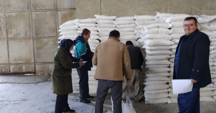 بازدید و رصد انبار کارگزاران توزیع کود شهرستان کامیاران
