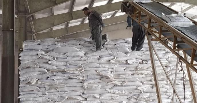 روند حمل و توزیع کود نیترات آمونیم سولفات به شهرستان سقز