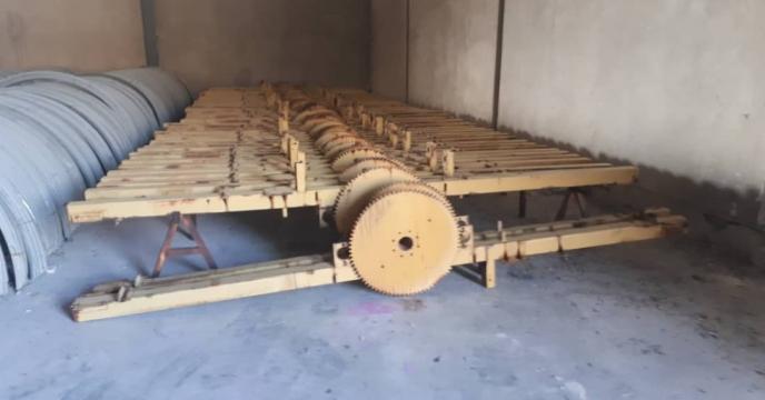 تخلیه شاسی های دستگاه آبیاری بارانی سری اول در مجتمع شیمیائی آبیک