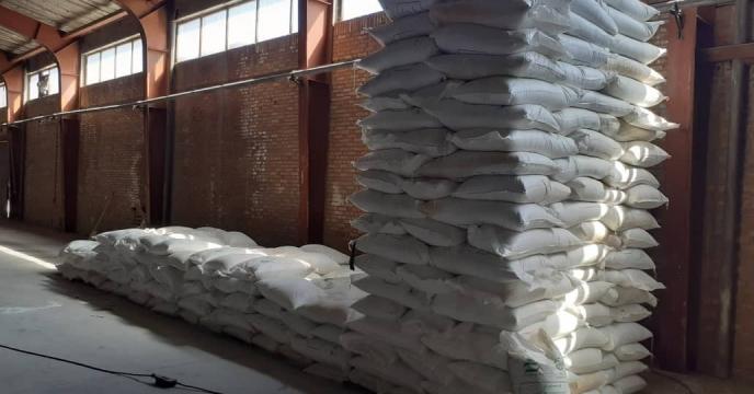 توزیع 1090 تن کود شیمیایی اوره  در شهرستان شبستر