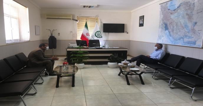 نشست صميمى مدیر شرکت با مدیر عامل اتحاديه تعاونی هاى تولید استان