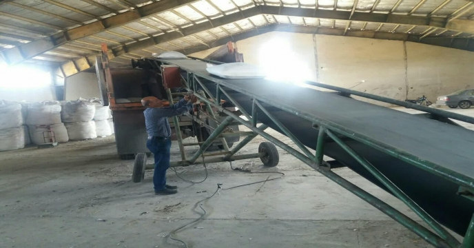اتمام عملیات کیسه گیری کود فله سوپر فسفات تریپل در انبار کود شهید شاملو استان مرکزی